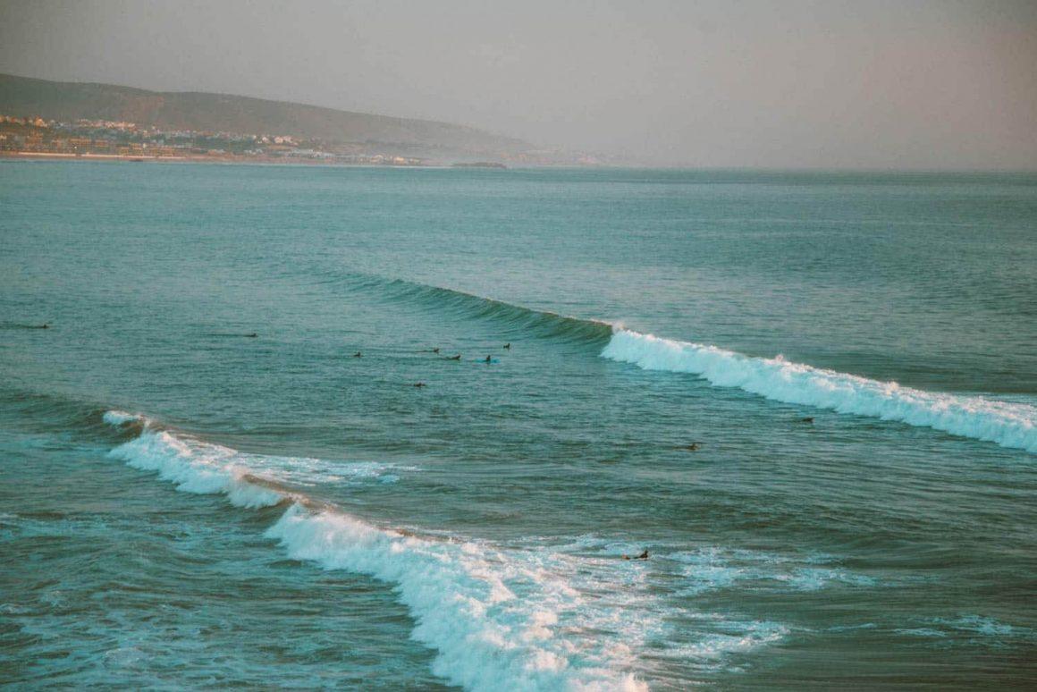 golven in de zee bij Taghazout