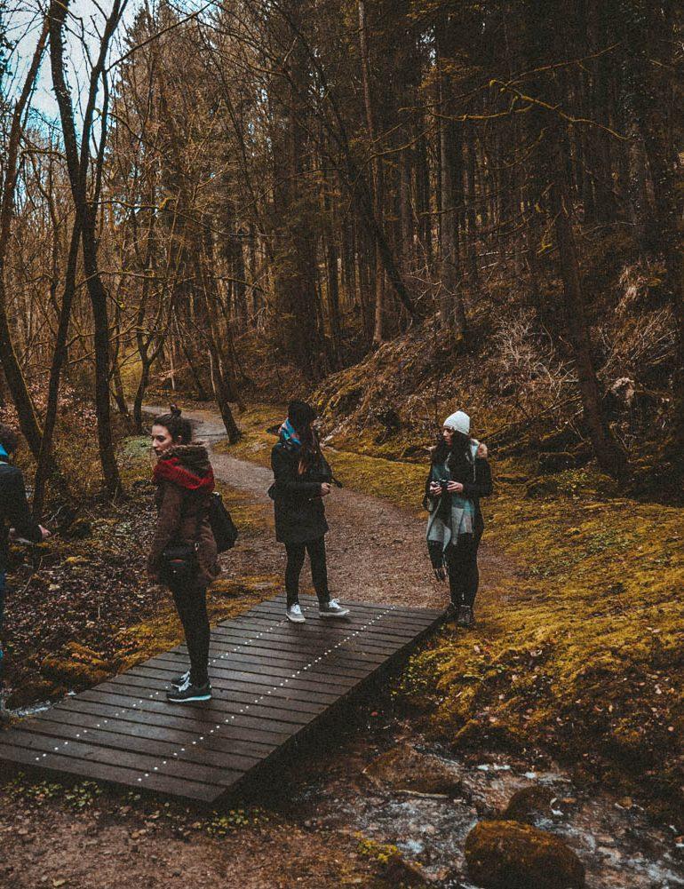 Wandelaars op de Mullerthall Trall