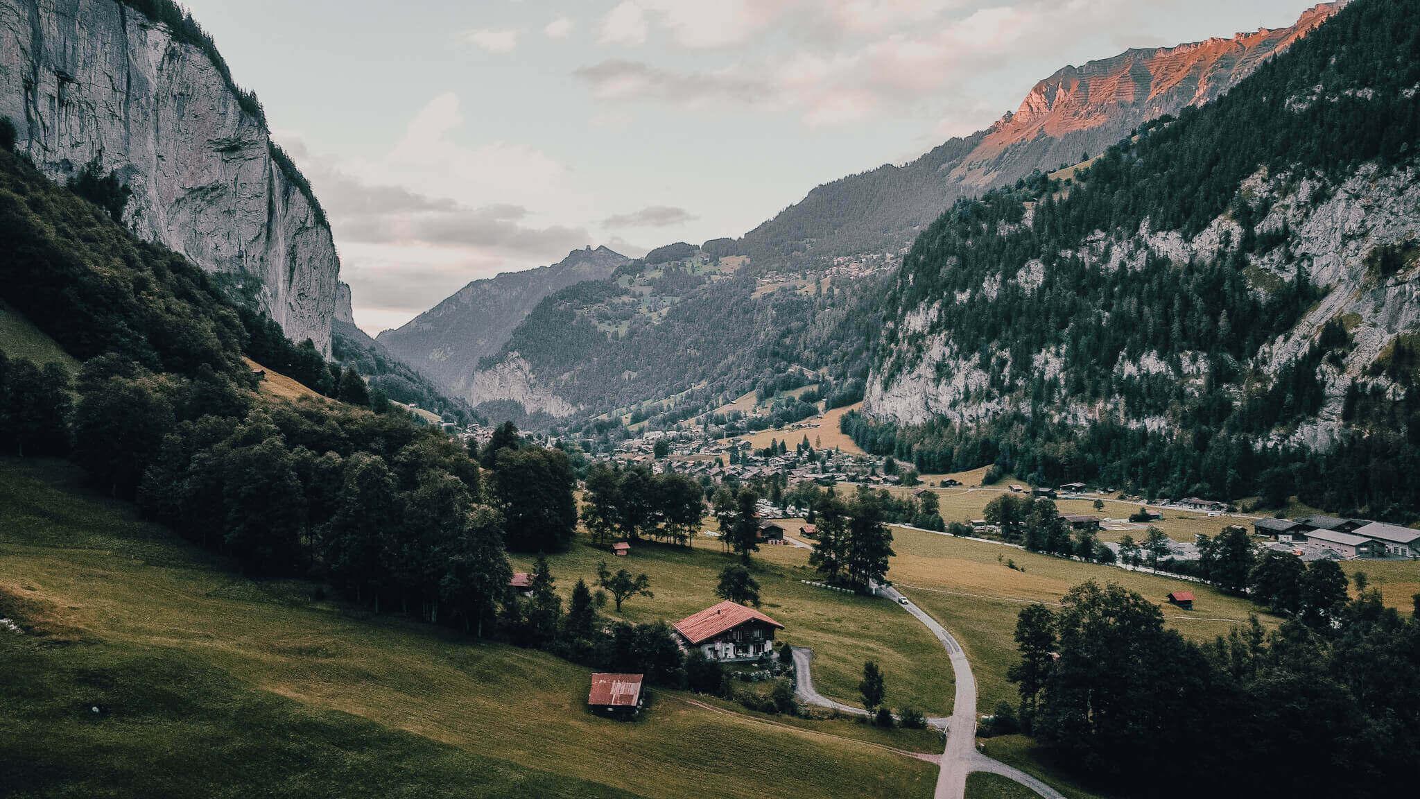 Omgeving Lauterbrunnen met een drone gefotografeerd
