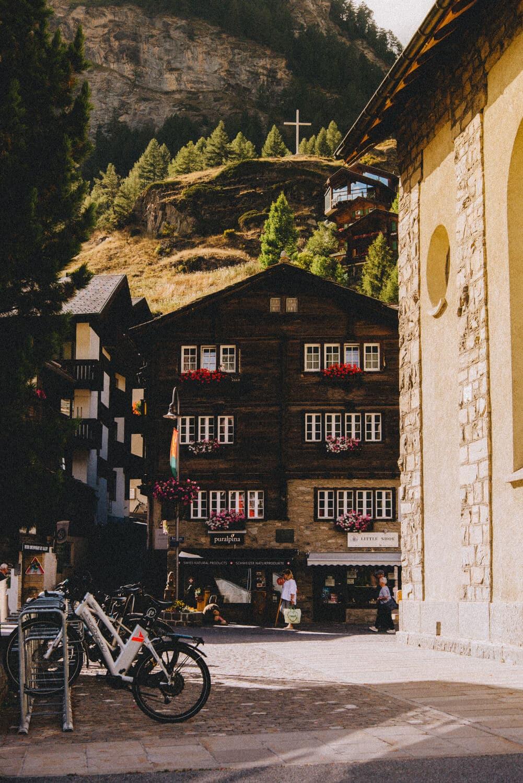 Uitzicht over de stad Zermatt