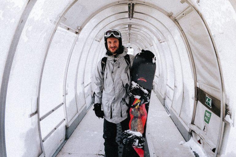snowboard in de lift Val Thorens