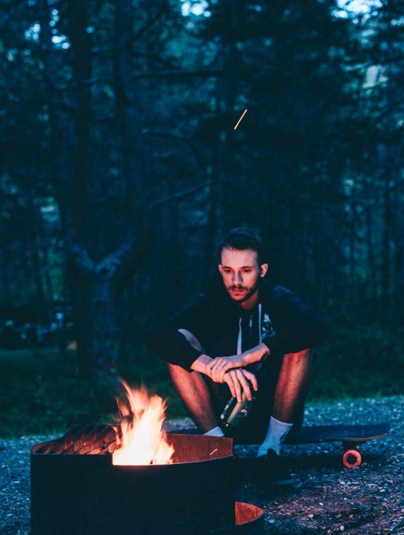 kamperen bij vuurtje