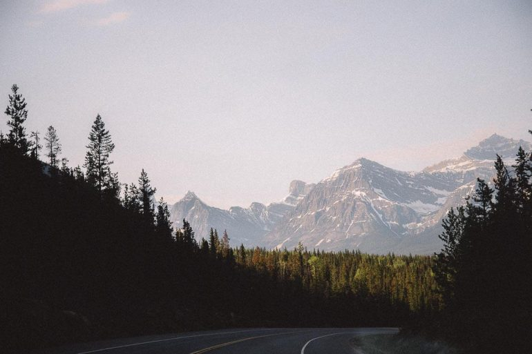 weg met bergen canada