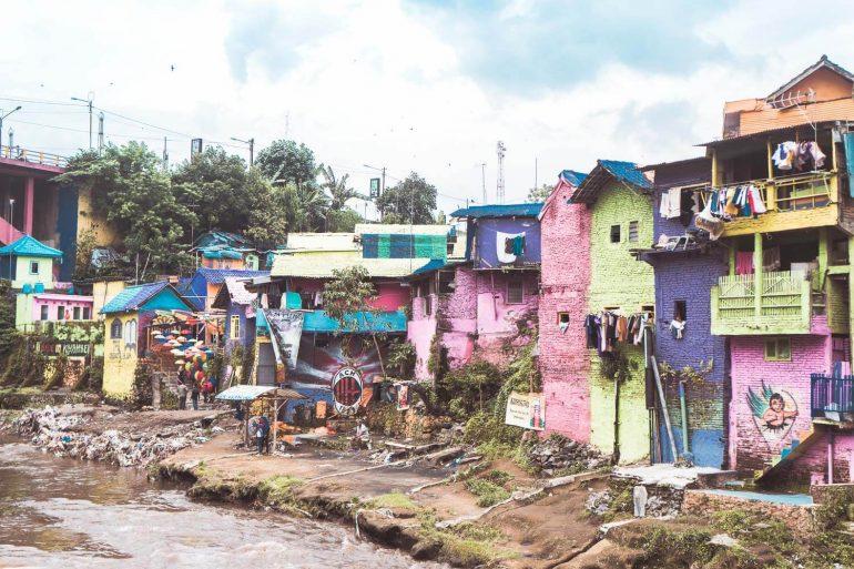 Gekleurde sloppenwijk in Java