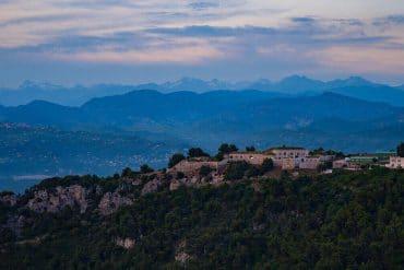 Zonsondergang berg Montpellier Frankrijk