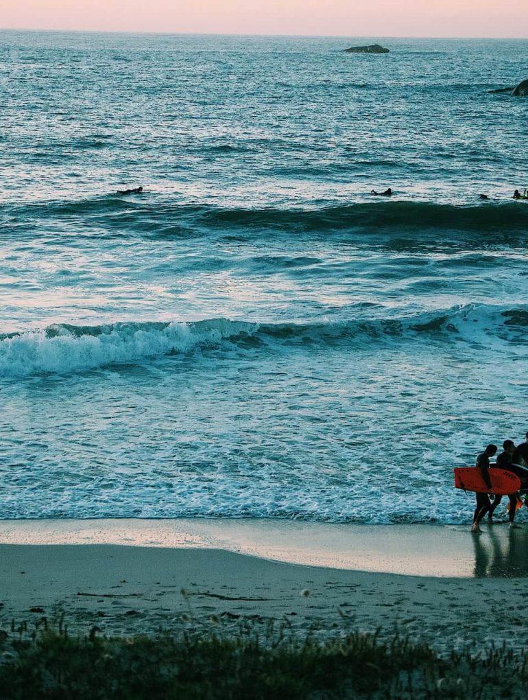 Surfers in Frankrijk