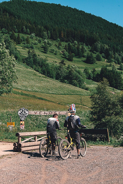 Mountainbikers naar Venosc