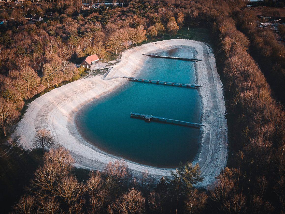 Dronefoto meer bij Zandpol